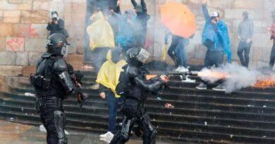 ONU rompe el silencio y pide investigar muertes en Colombia.